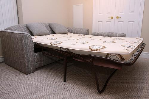 Sofa bed - perabot dwifungsi