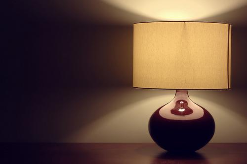 lampu meja dekoratif