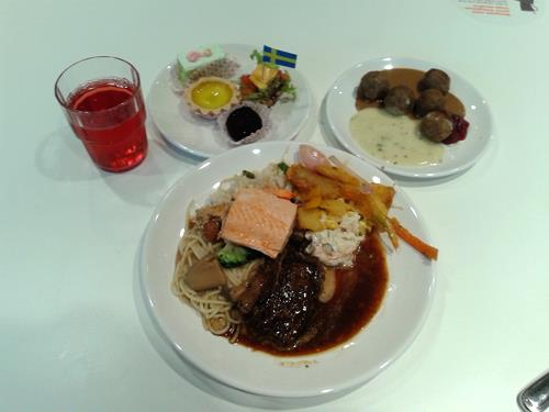Makanan IKEA yang popular