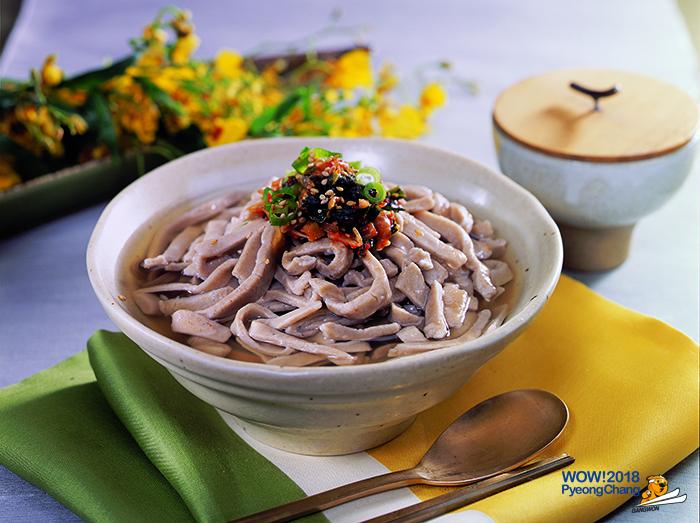 Kotdeungchigi noodle
